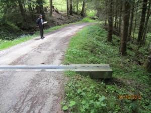 Stationnement à Falli-Hölli et montée par la route