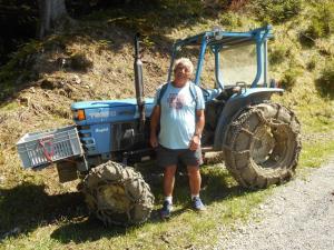 Il est encore là (le tracteur)!