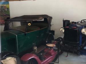 ses voitures anciennes et